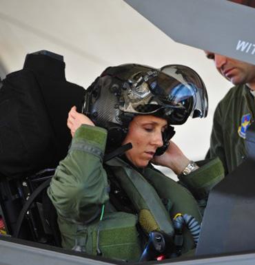 christine-mau-cockpit