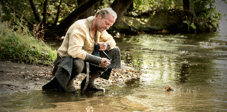 Jorah pauses to remember his father.