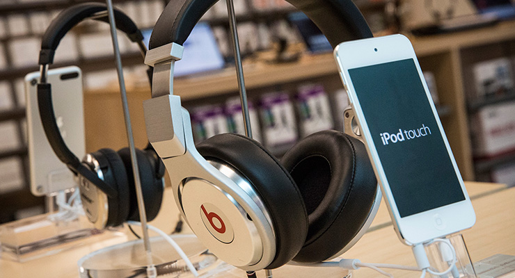 Apple Music beats headphones