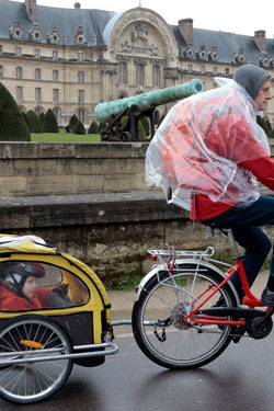 A bicycle trailer is used in Germany. Photo: Getty