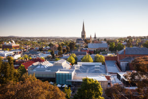 The median house price in Bendigo is half that of Melbourne.
