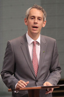 Andrew Giles does not want turnbacks to be part of Labor's policy. Photo: AAP