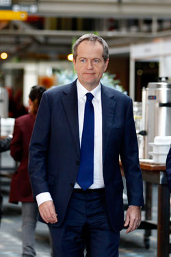 Mr Shorten feels the saga looks badly on the PM. Photo: AAP