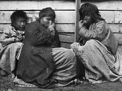 Fuegian women, Natives of Tierra del Fuego