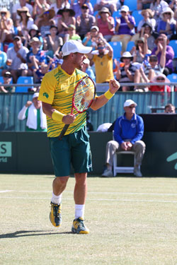 Hewitt had plenty to celebrate in his straight-sets win on Sunday. Photo: AAP