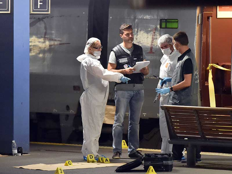 Paris-train-shooting