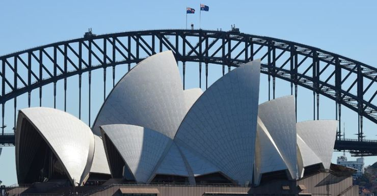 Mr Baird says Sydney's 'world's best harbour' made it better than Melbourne.