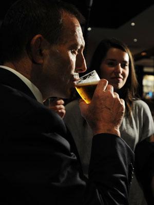 tony-abbott-beer