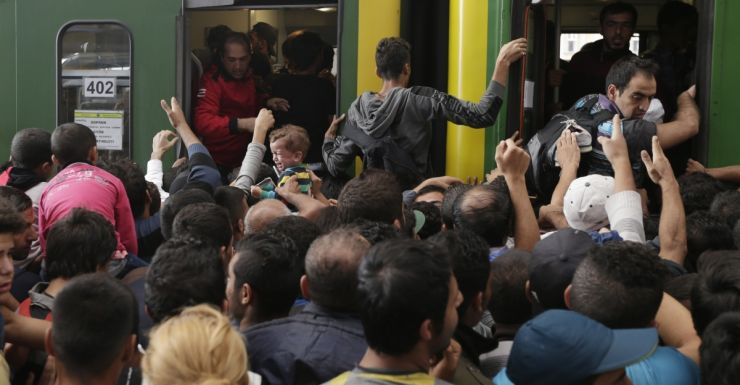 Migrants storm train in Hungary