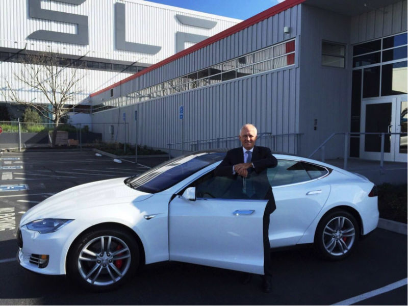 Malcolm Turnbull visits the Tesla factory in California this year.