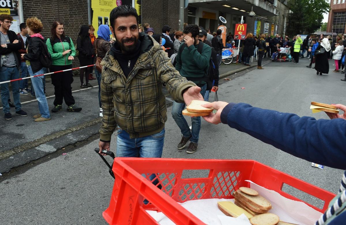 food-refugees-germany