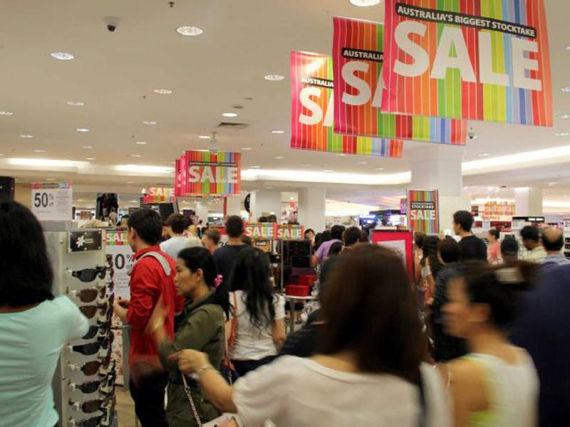 shopping sale 4443796-3x2-700x467