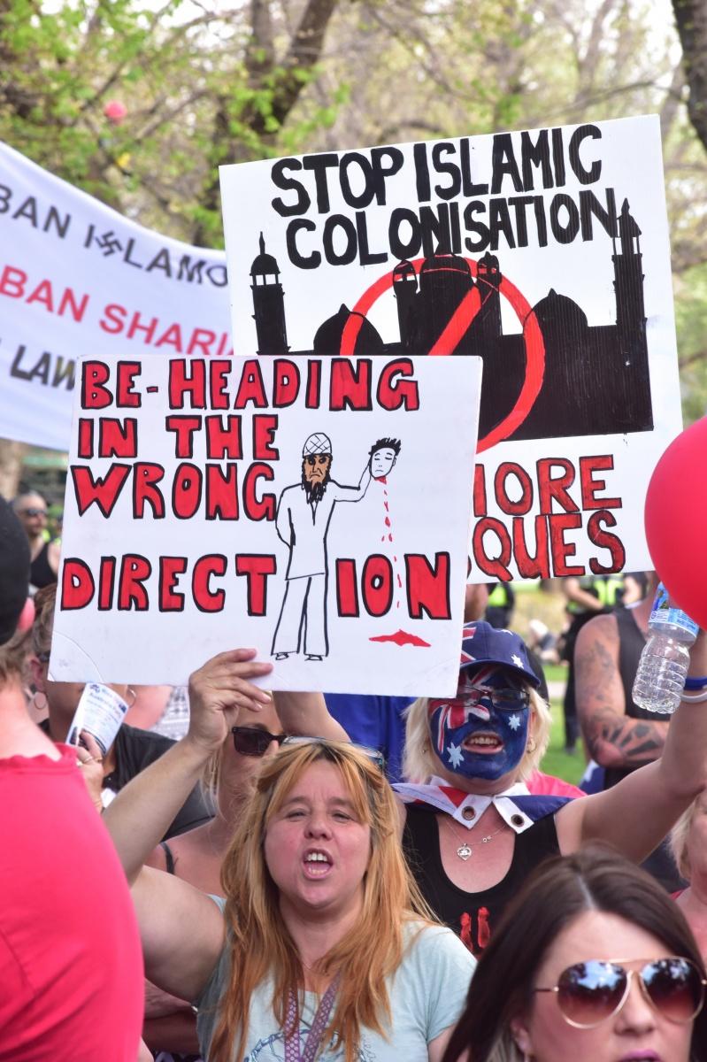 Anti-Islam protesters in Bendigo. Photo: AAP