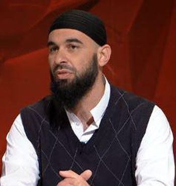 Sheikh Wesam Charkawi said the issue needed a community approach to rectify.