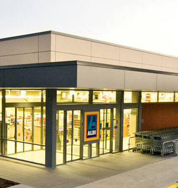 Aldi plans to spend more than $700 million to turn customers away from already established players in WA and SA.