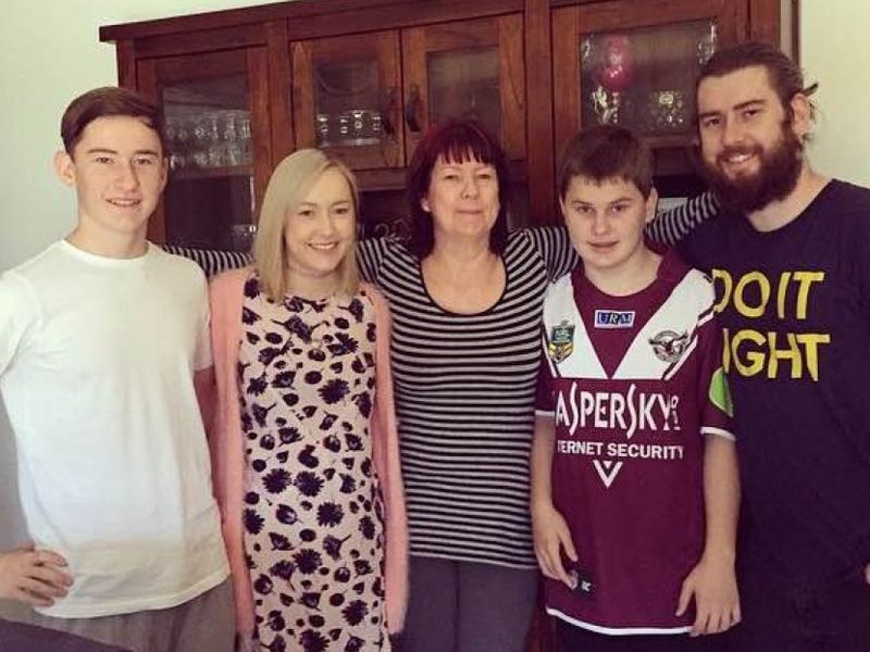 (L-R) Tyran's brother Cody, sister Rhiannon, mum Deanne, Tyran and brother Rory.