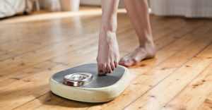 scale weigh woman