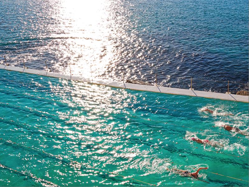 sydney bondi swimming