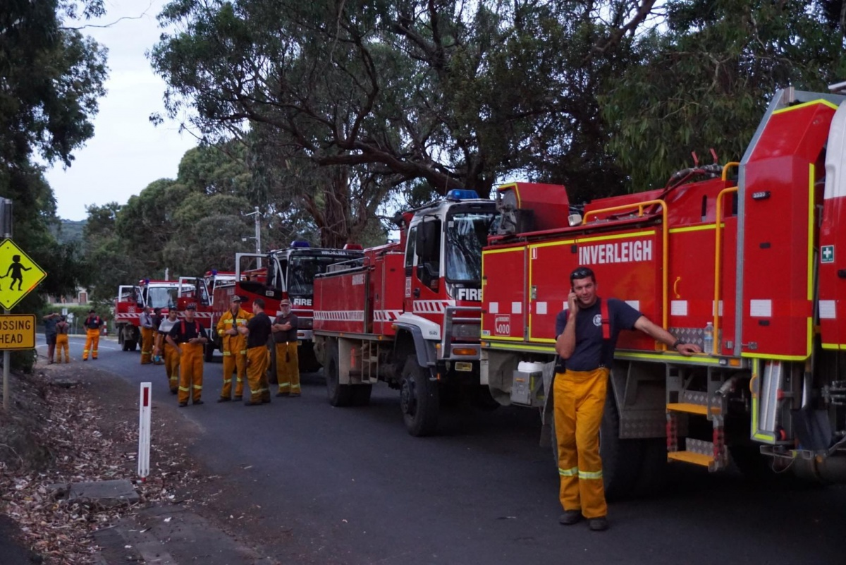 Emergency crews working near Wye River on Saturday. Photo: AAP
