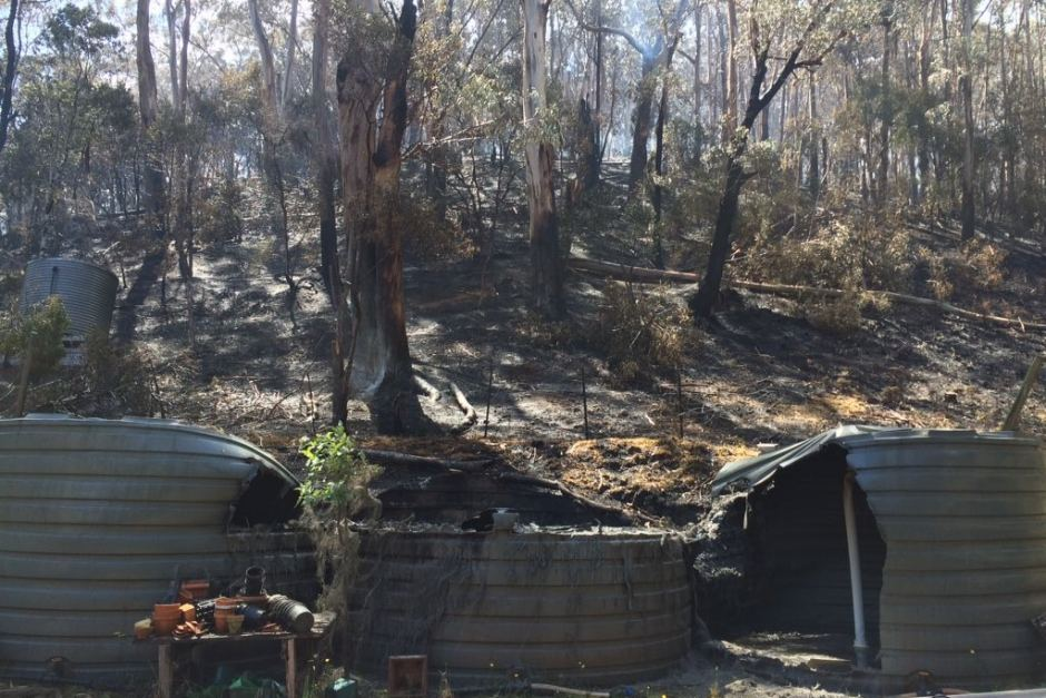 The water tanks at Tom Jacobs' Separation Creek home were destroyed by fire. Photo: Twitter/Tom Jacobs