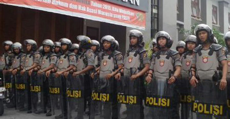 Bali's most notorious enforcer gang is believed to have joined the fight.