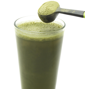 Spirulina can be added to green smoothies.