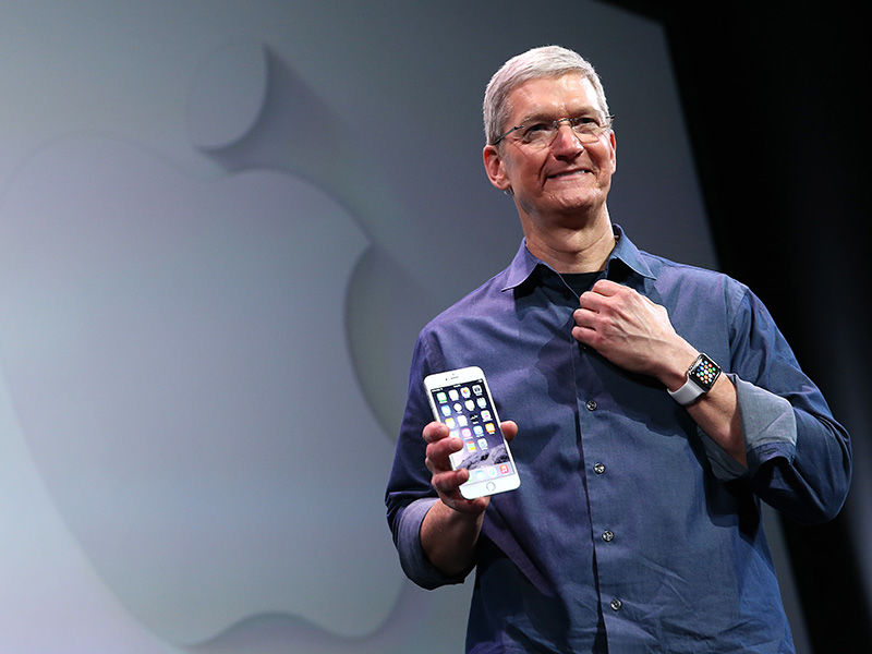 Tim Cook, Apple, iPhone