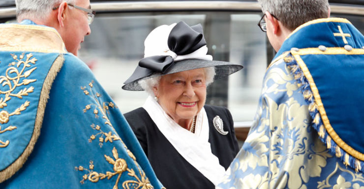 queen april 2015 anzac day