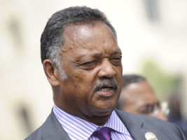Jesse Jackson supports tim cook apple