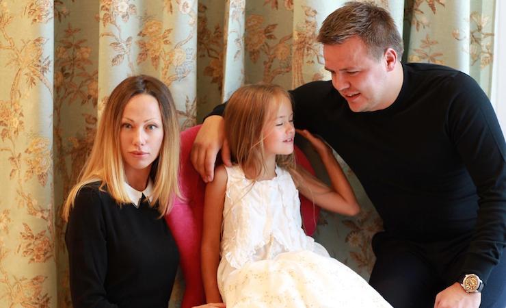 Kristina with her parents. Photo: Facebook/Glikeriya Pimenova