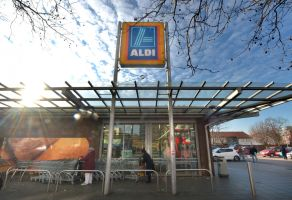 Aldi is moving west. Photo:AAP