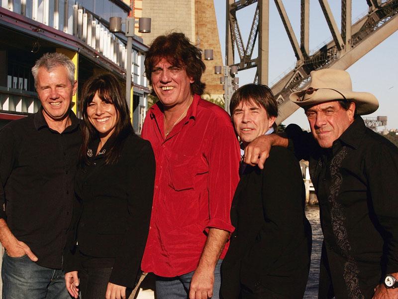 "Singers Daryl Braithwaite, Ally Fowler, Jon English, John Paul Young and TV host Ian ""Molly"" Meldrum."