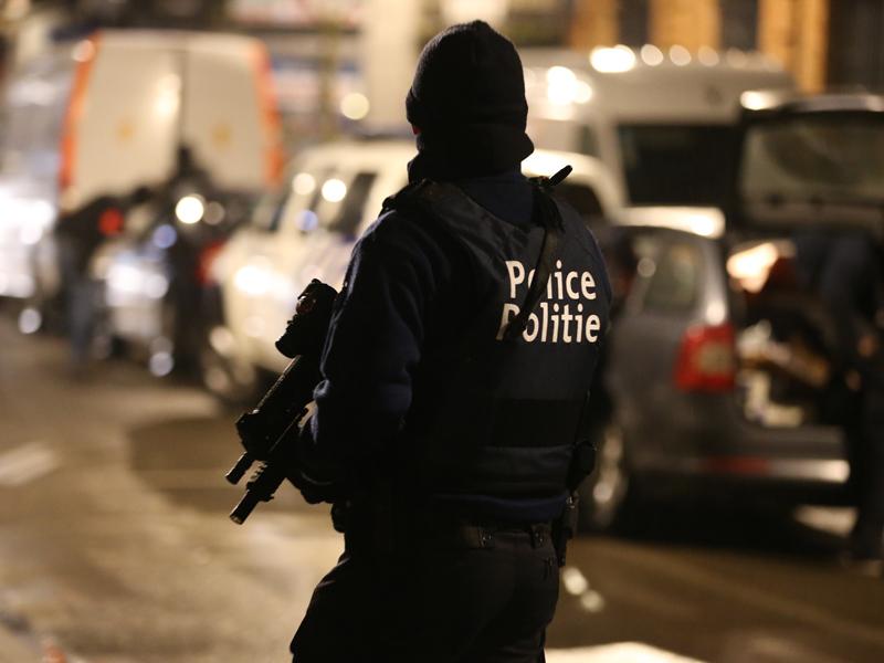 Terror suspect shot in leg r