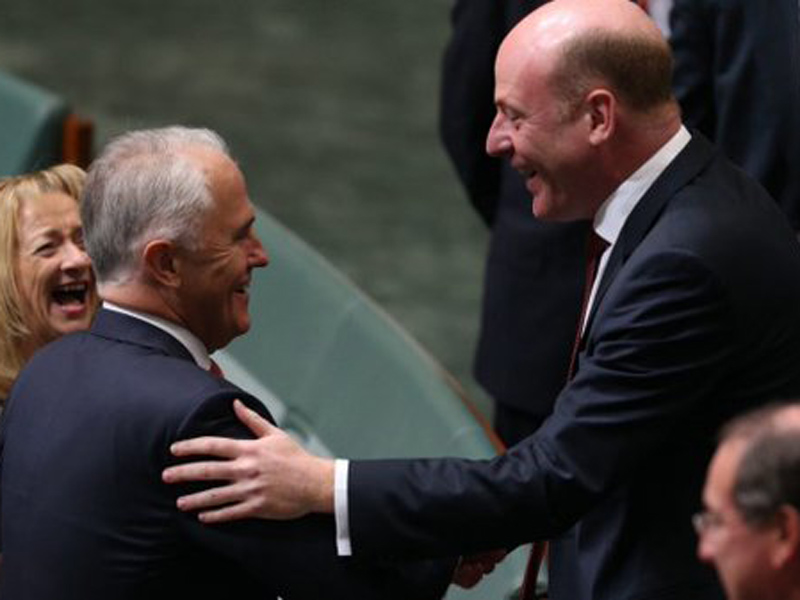 PM Malcolm Tunrbull congratulates Mr Zimmerman in parliament.