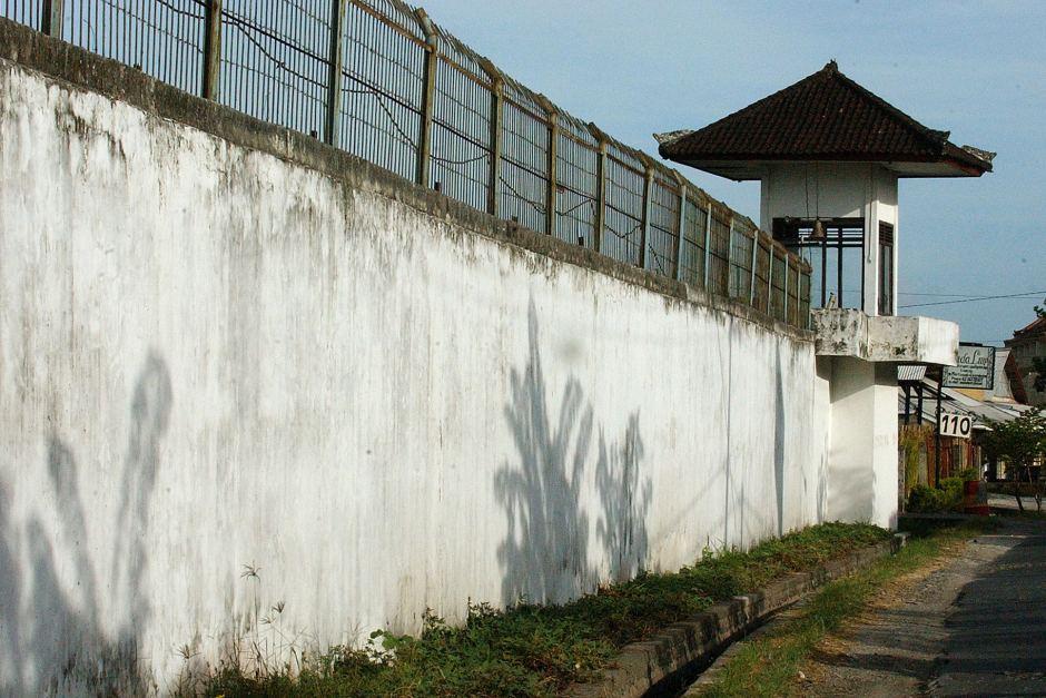Indonesia readies prison island for drug convict executions