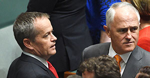 Leader of the Opposition Bill Shorten (L) and Prime Minister Malcolm Turnbull during a House of Representatives class photo before Question Time at Parliament House in Canberra on Tuesday, March 15, 2016. (AAP Image/Mick Tsikas) NO ARCHIVING