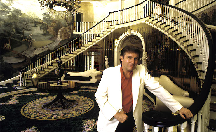 Trump in the foyer of his Connecticut home in 1987. Photo: Getty
