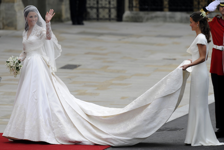 6c94316fc3e Kate Middleton s wedding dress cost a reported  400