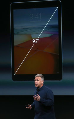 Phil Schiller introduces the product to Apple fans. Photo: Getty