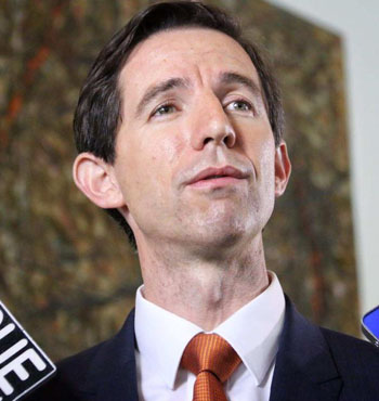 Simon Birmingham this week confirmed the government would stick to its plan to cut university funding.