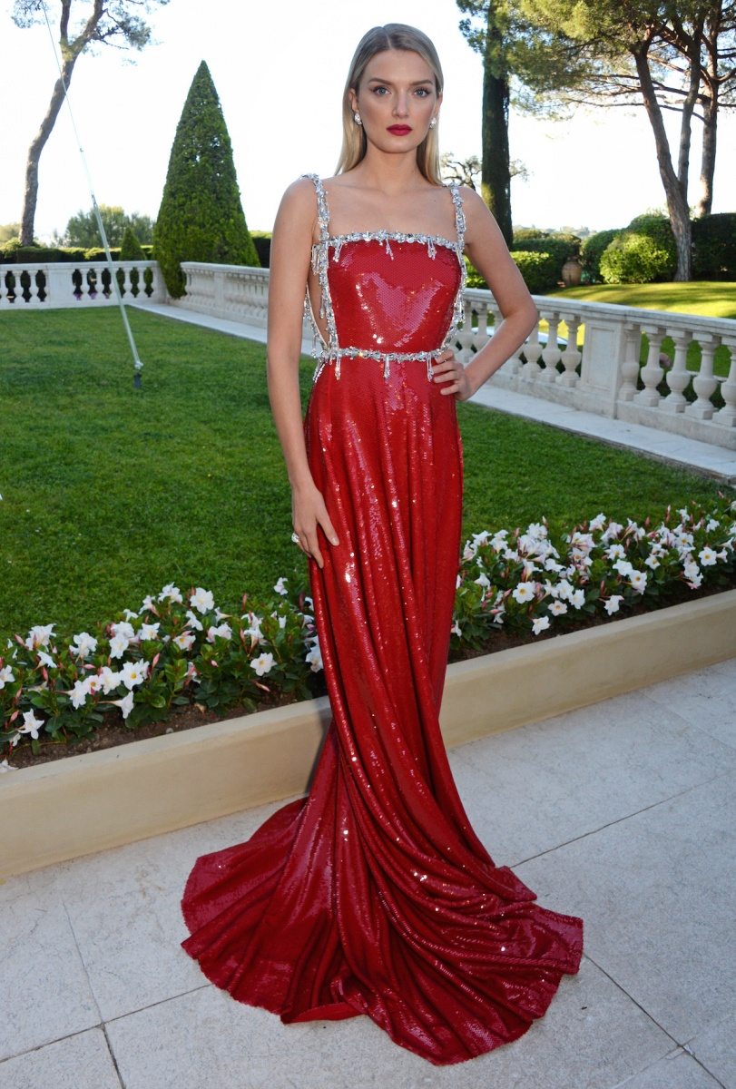 Ladies In Red Dominate Cannes Red Carpet The New Daily