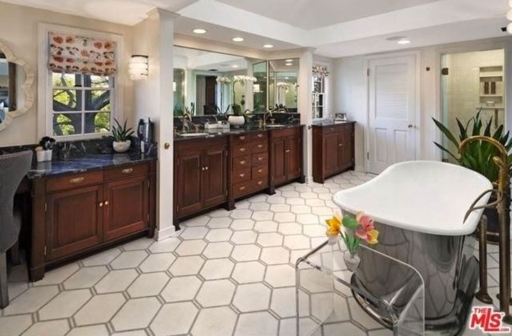 Peek Inside Miranda Kerr's $16m Mansion