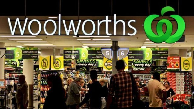 Dick Smith said Woolworths and Coles must replicate Aldi's lead.