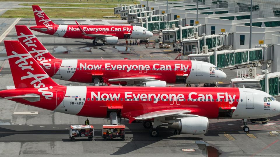 AirAsia plane grounded in Australia after 'bird strike'