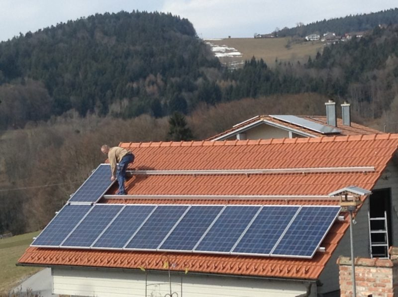 Many early adopters of solar panels are about to face massive falls in income. Photo: Getty