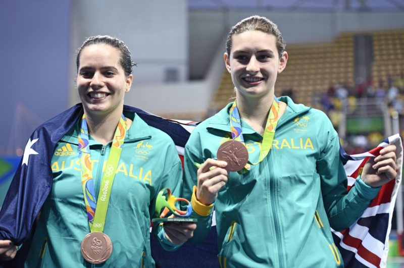 Bronze medallists Australia's Maddison Keeney and Australia's Anabelle Smith pose during the podium ceremony. Photo: Getty