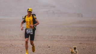 Gobi runs the race with Dion Leonard