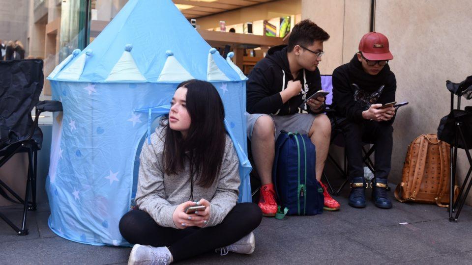 iPhone 7 queue Sydney
