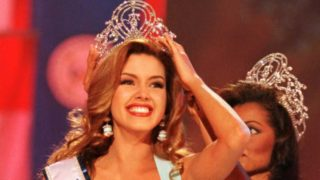 Alicia Machado being crowned Miss Universe in 1996.