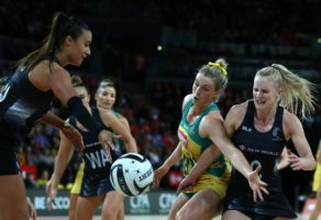 Gabi Simpson looks to deny New Zealand's Shannon Francois .